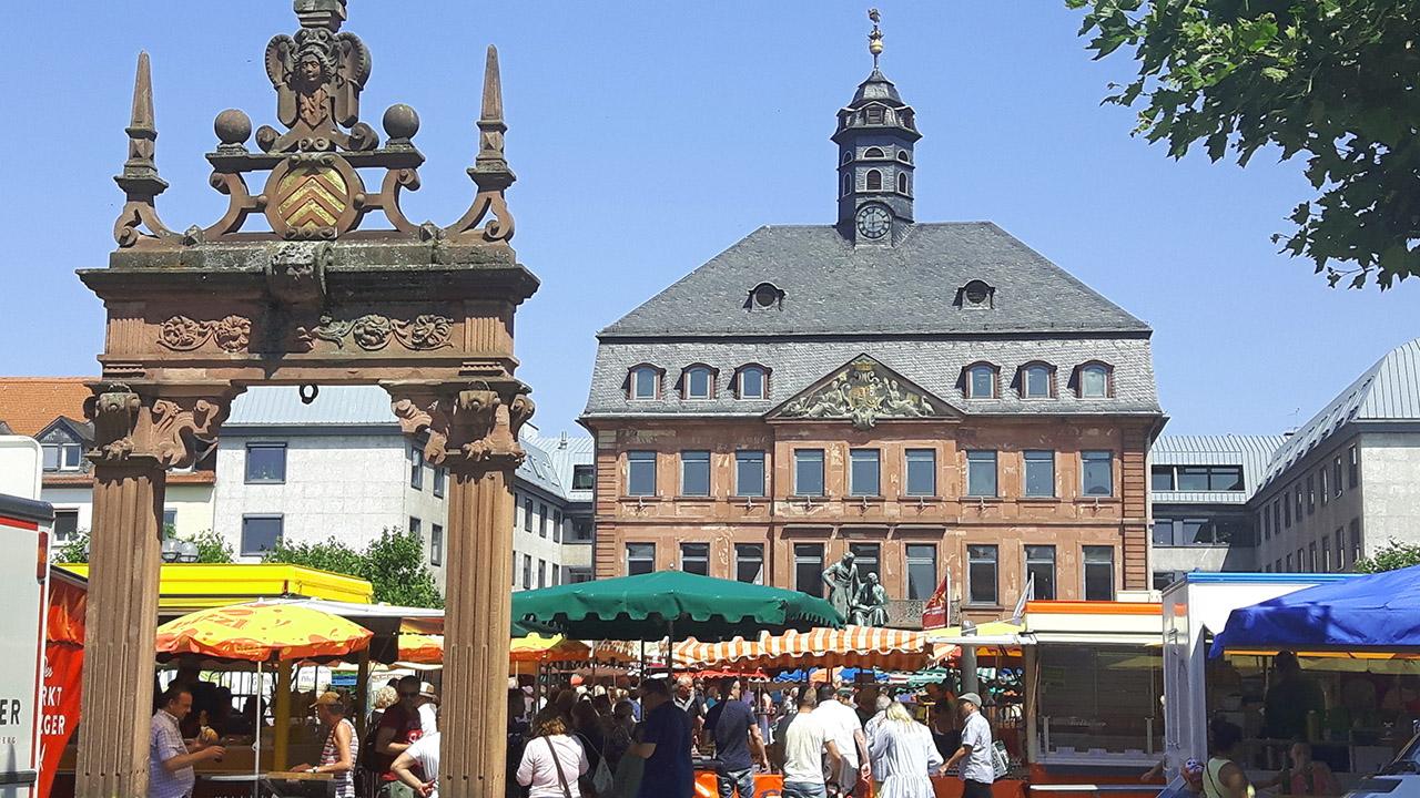 Hessens_größter_Wochenmarkt